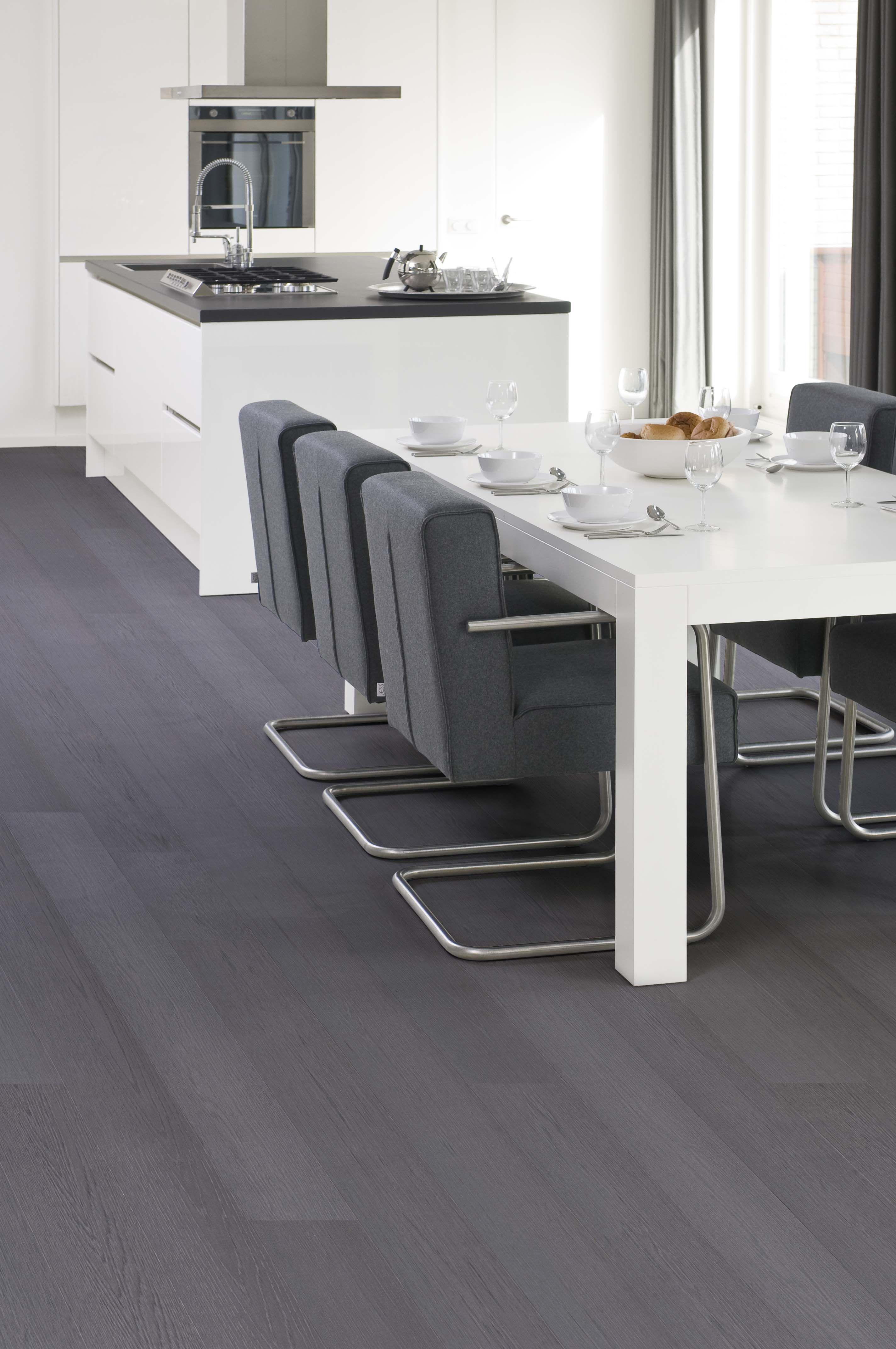 www.AlmaParket.nl vloeren Breda. Houten vloer in grijstint voor een ...