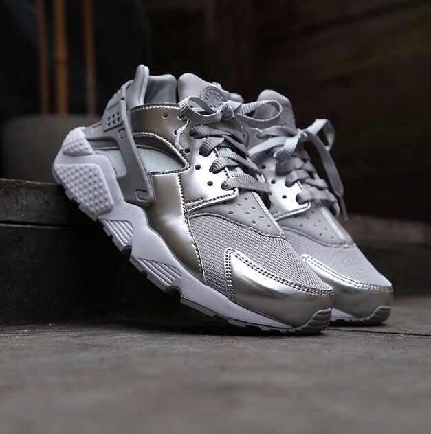 Nike Air Huarache WMNS Metallic Silver Pack
