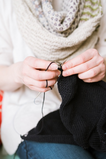Three 1.5 hour classes  *Please note that our classes are for adults, unless otherwise indicated.    Skills needed: Absolutely none! Our beginner class is ideal for those completely new to the craft or those who haven't knitted in many years and need a full refresher.  Skills learned:  	knit stitc...