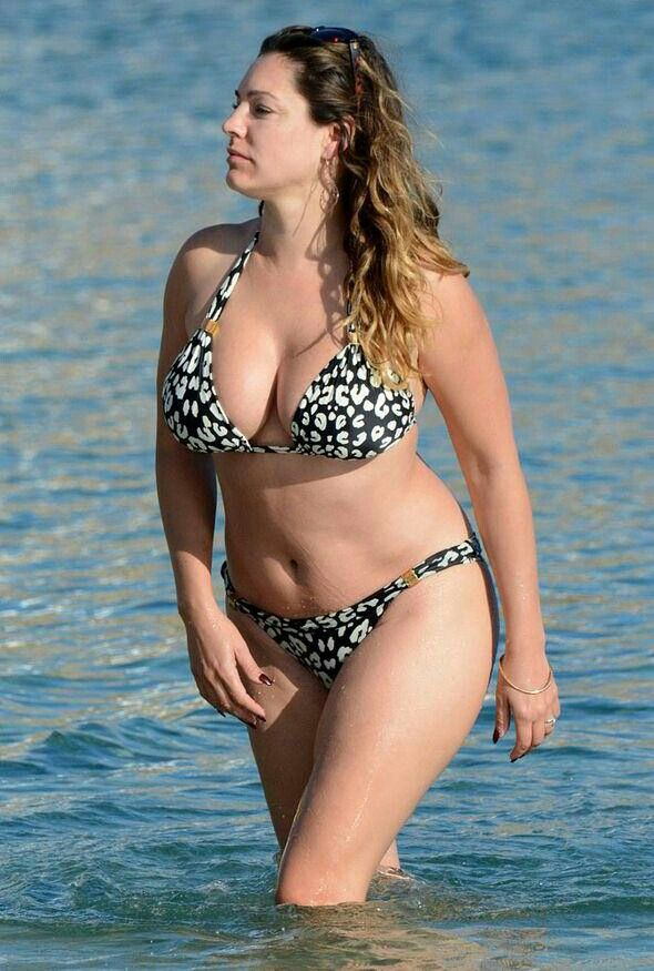 6c9eb7af3f77c Pin by baba bakhsh on 43 Kelly Brook