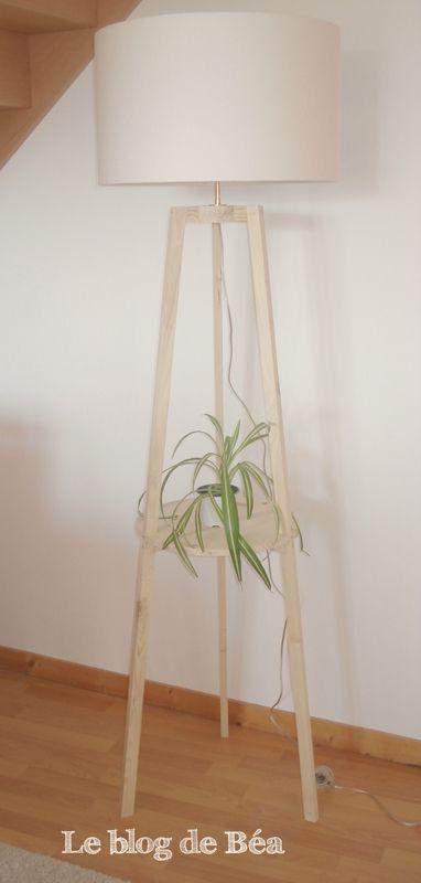 diy lampadaire tr pied en bois de palette projets essayer pinterest lampadaire trepied. Black Bedroom Furniture Sets. Home Design Ideas