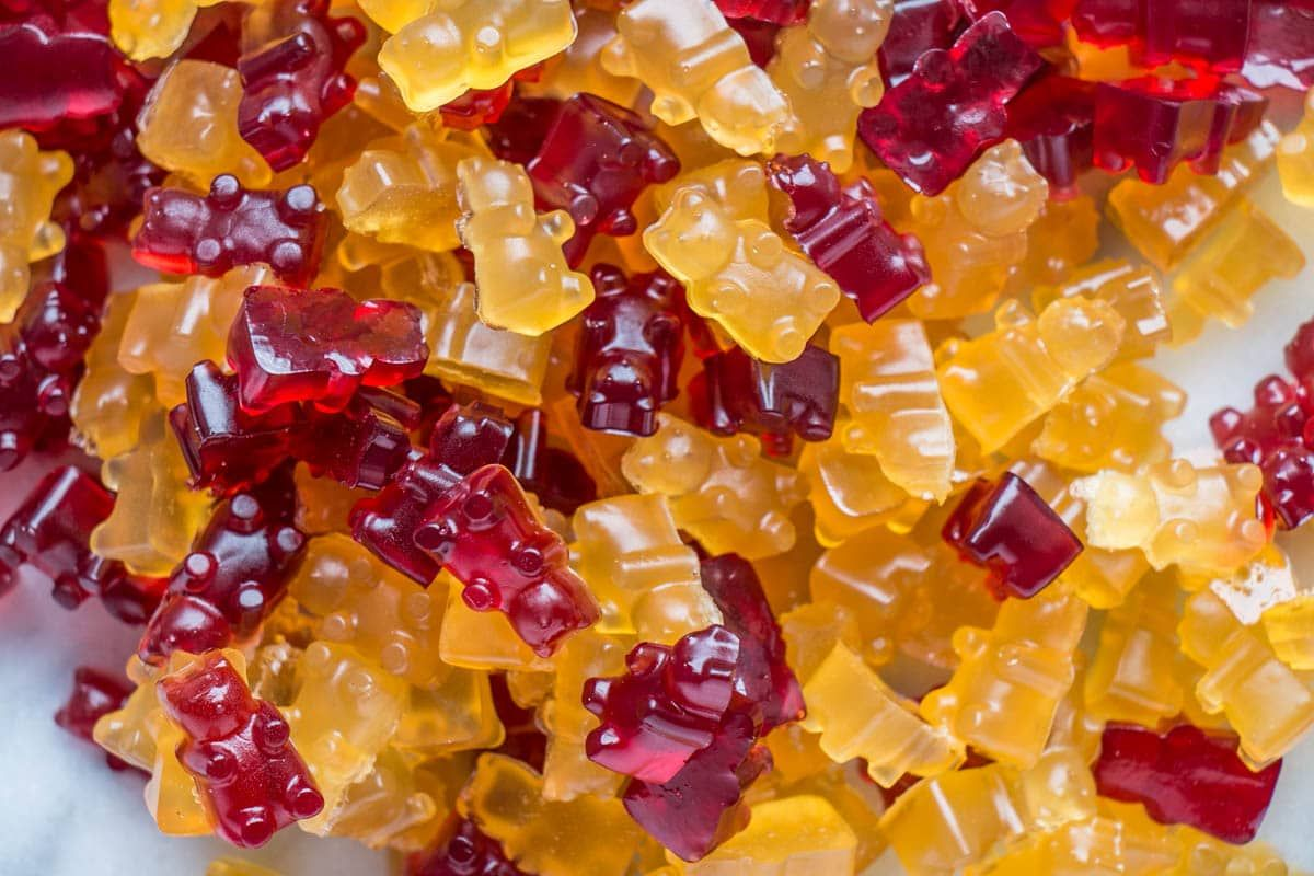 Healthier Refined Sugar Free Gummy Bears Plus A Wine Version For Mom Make These Easy Candies In Under Bear Recipes Homemade Gummy Bears Sugar Free Fruits