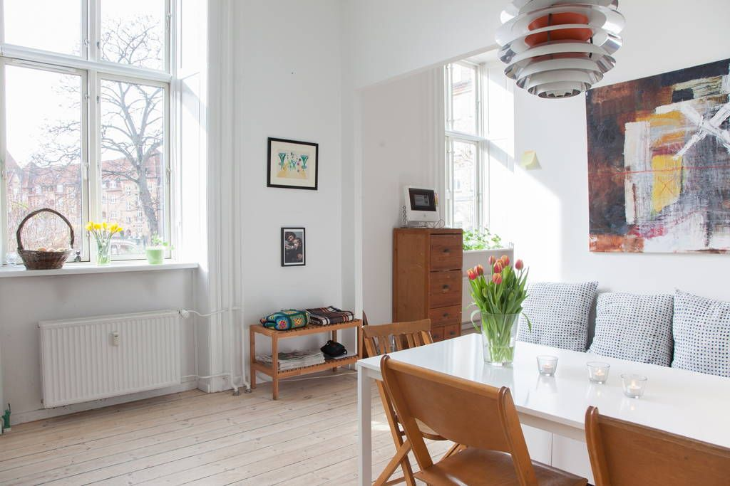 Sunny apartment on beautiful square - Apartments for Rent ...