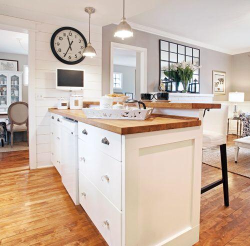 confortable et invitante cette cuisine inspir e du courant shabby chic arbore un look. Black Bedroom Furniture Sets. Home Design Ideas
