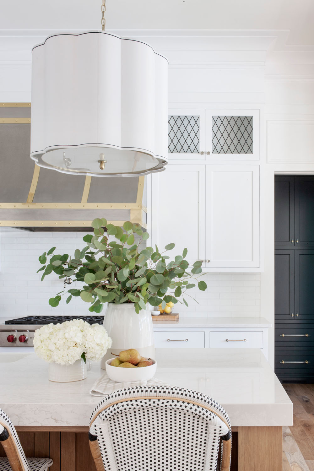 Home Reveal White dove benjamin moore walls, Leaded