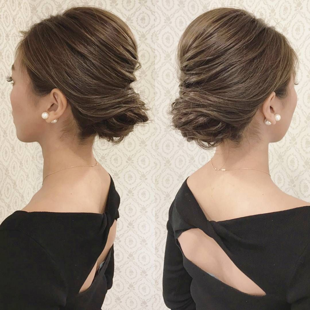 お呼ばれヘア シンプルなアップ スタイリッシュな印象に トップを