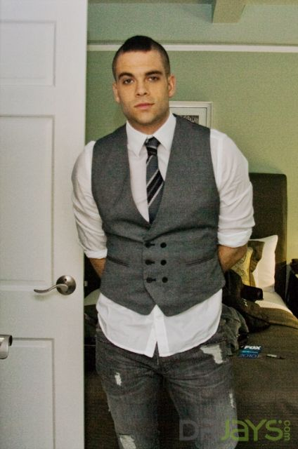 Gown Shirt Tie And Vest