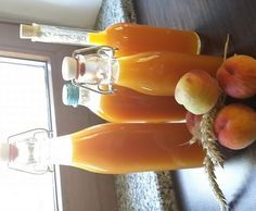 Rezept Pfirsichlikör mit frischen Pfirsichen von 2010 SKihase - Rezept der Kategorie Getränke