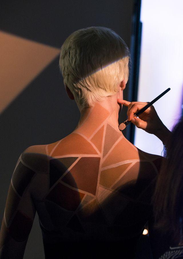 making of backstage sculpting photographe RANKIN