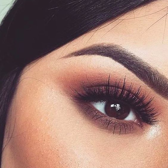 Beautiful eye makeup! Use a palette like one from Lily Lolo and mix sunset colors for this look. And don't forget to fill in your brows with EcoBrow