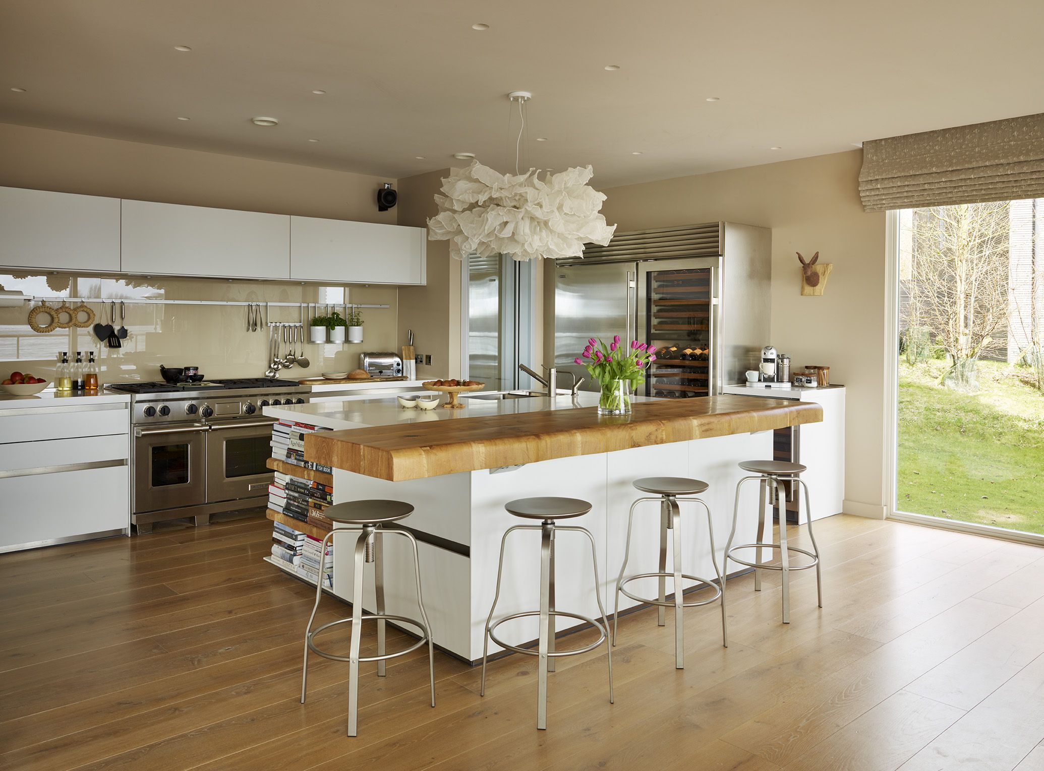 Bulthaup B3 Kitchen With Central Island With Bar Top And Stools For Social Dining  And Cooking. #kitchens #cooking #social