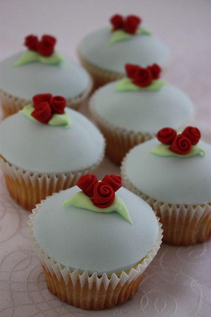 Ribbon Rose Wedding Cupcakes