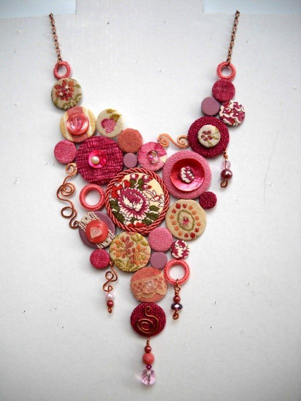 Colourful and original necklace made out of recycled old clothes and fabric parts: