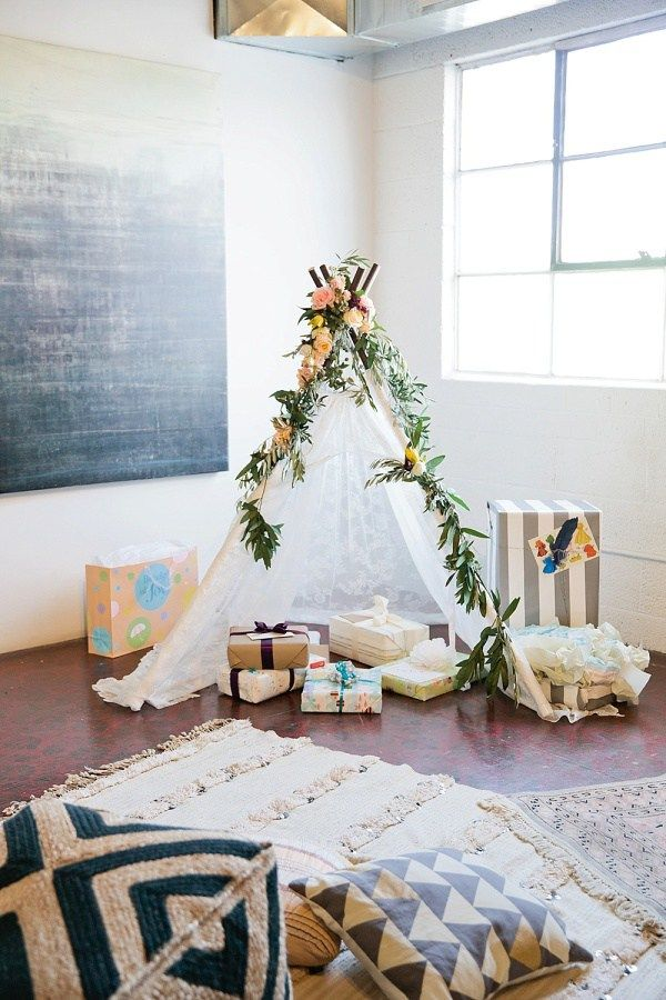 15 Chic, Sophisticated, Not-at-All Cheesy Baby Shower Ideas ...
