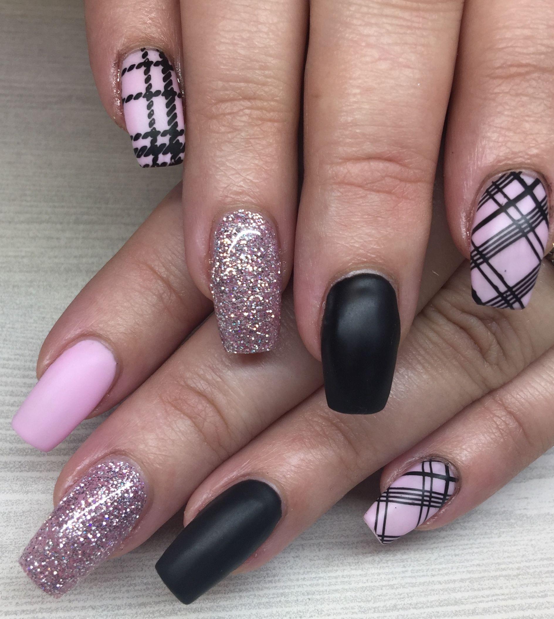 Pink Plaid Coffin Nails Plaid Nail Designs Plaid Nail Art Argyle Nails