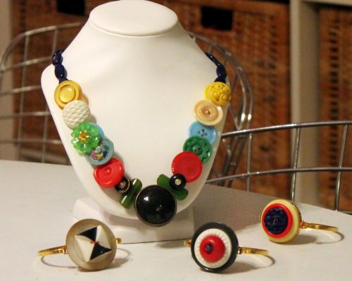 Button Jewelry  Her 365... www.becreativemary.com