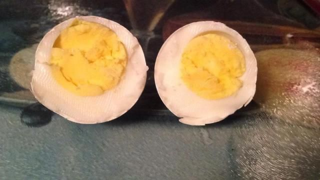 Did you know there is an easy way to cook hard boiled eggs without boiling them? Hard Boiled (Baked) Eggs You will Need: Eggs Muffin Pan Directions: Place eggs in muffin tin. Pre-heat oven to 325 F…