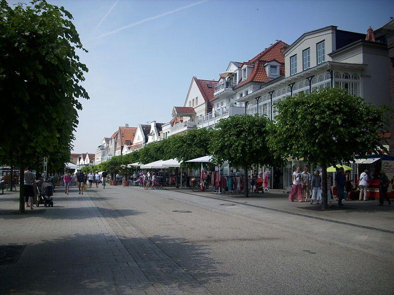 The shopping street Vorderreihe - Travemünde
