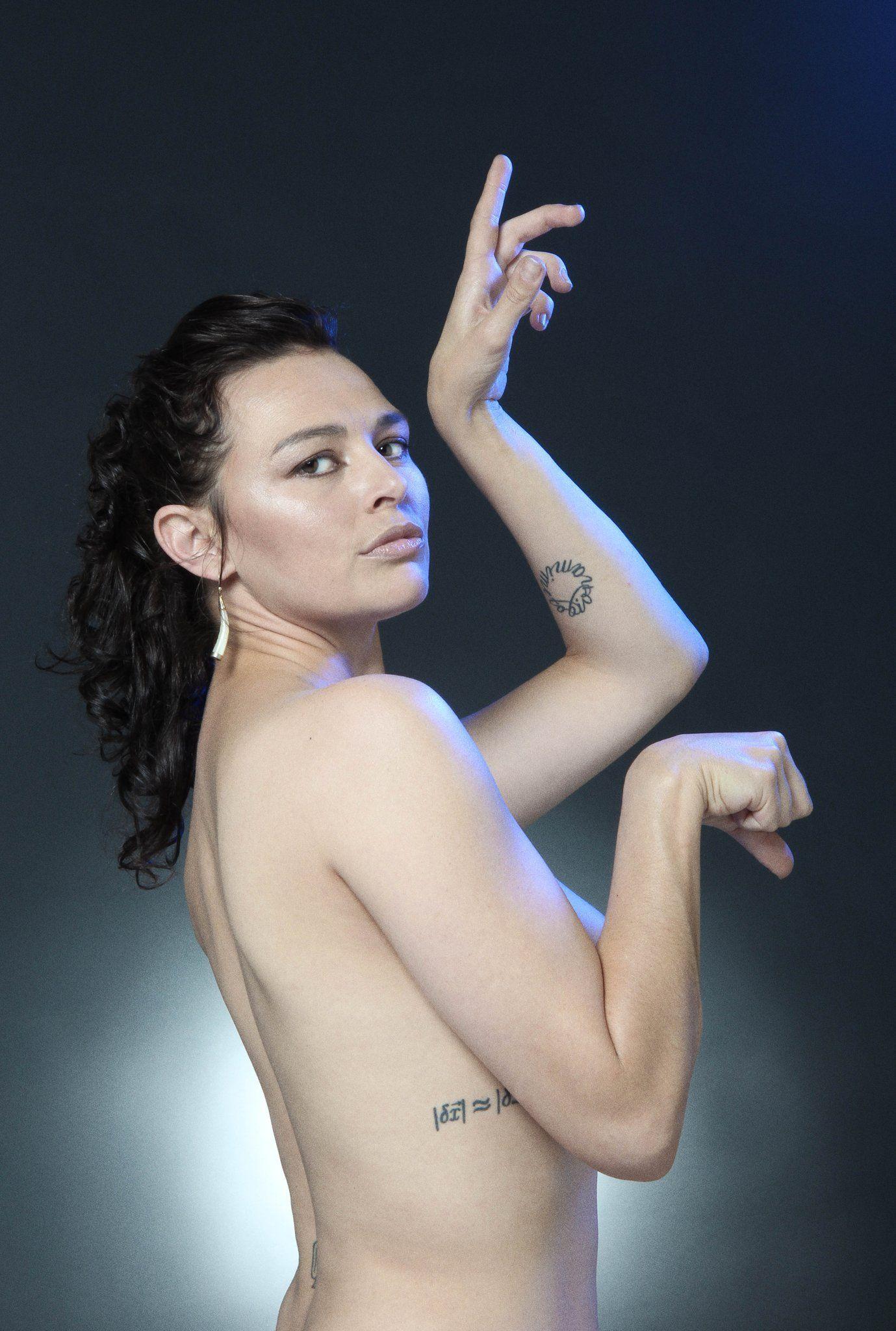 Tinarie Van Wyk-Loots Nude Photos 26
