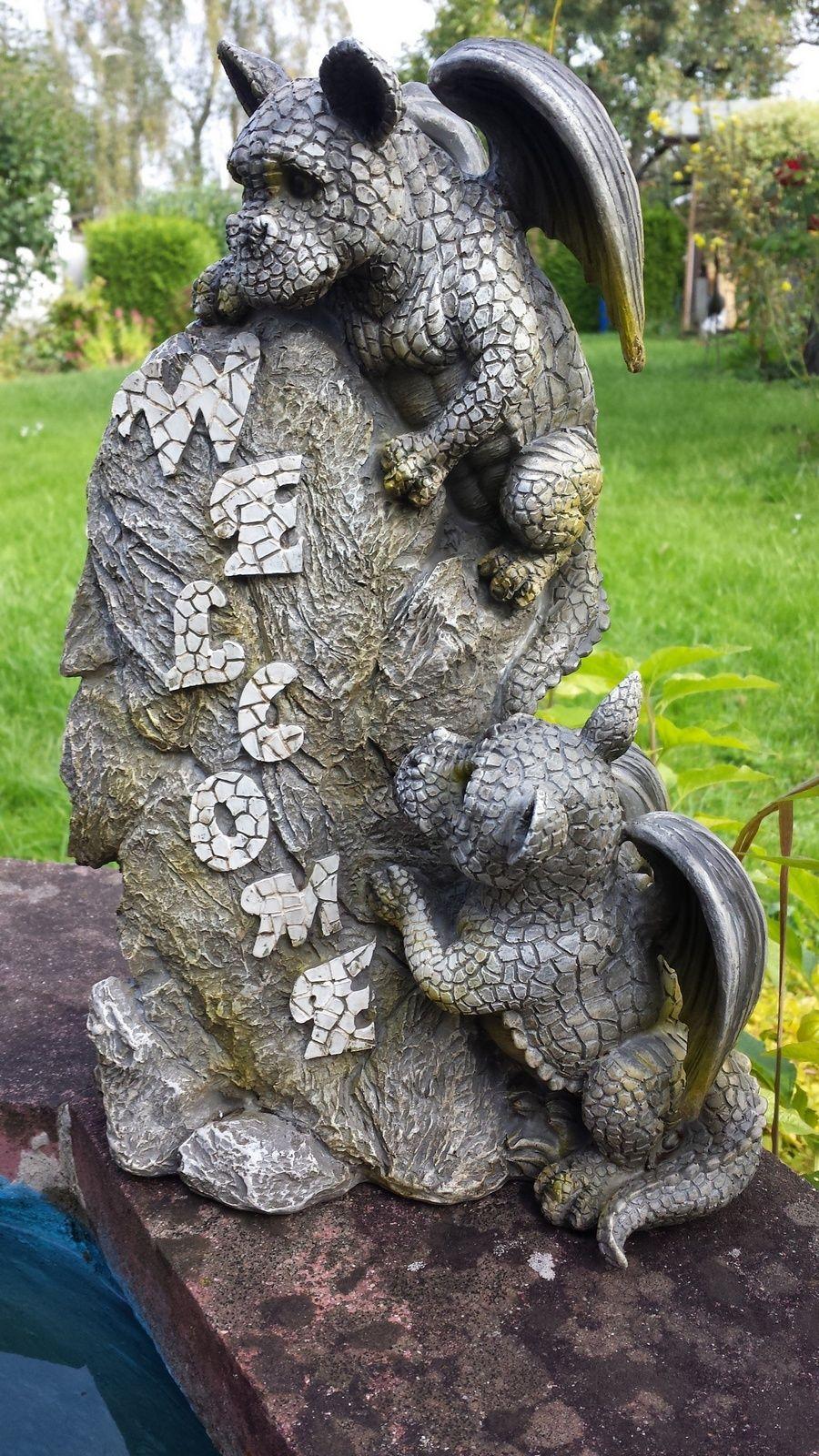Gartendrachen Zwei Drachen Kinder Mit Welcome Stein Dragon Garden Dragon Decor Garden Statues
