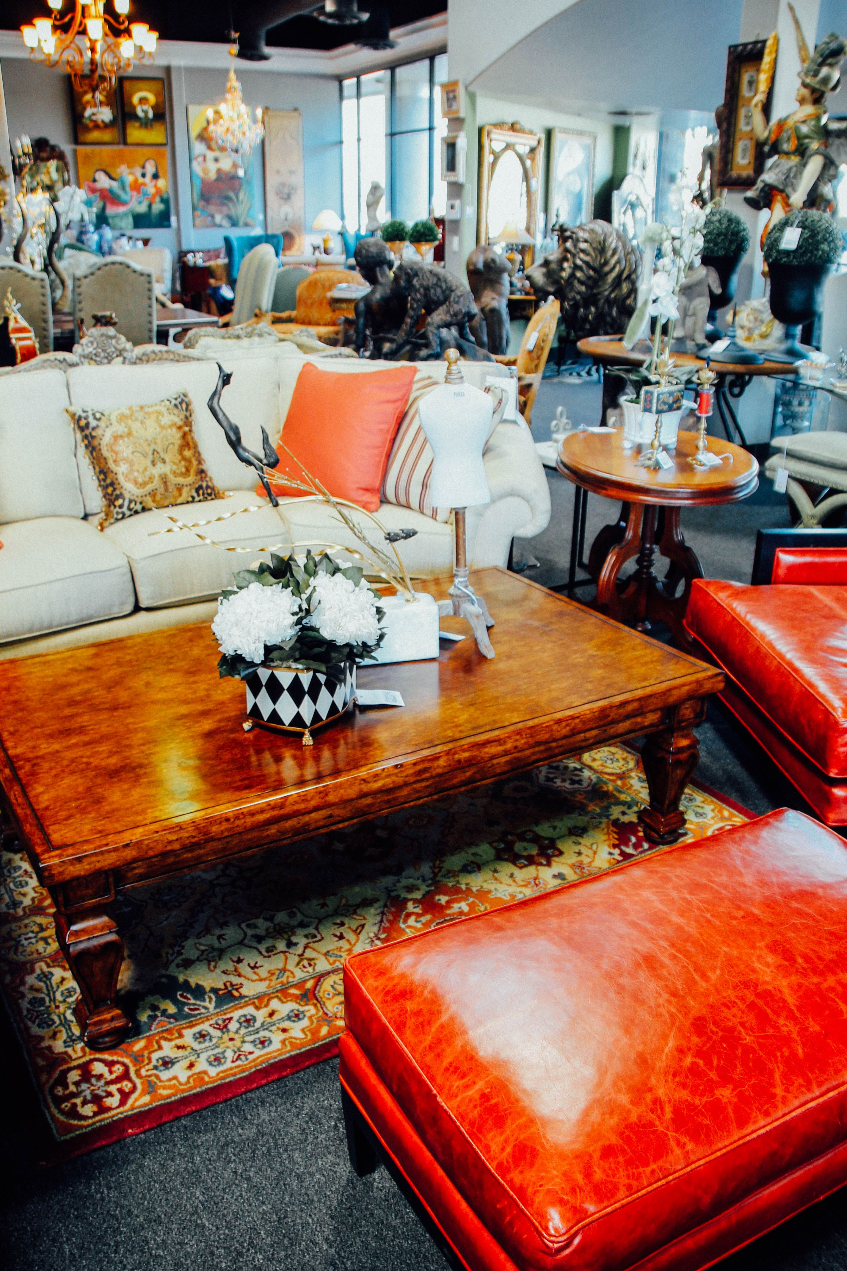 Wonderful Scottsdale Furniture Consignment, Antiques, Artwork And Home Accessories.