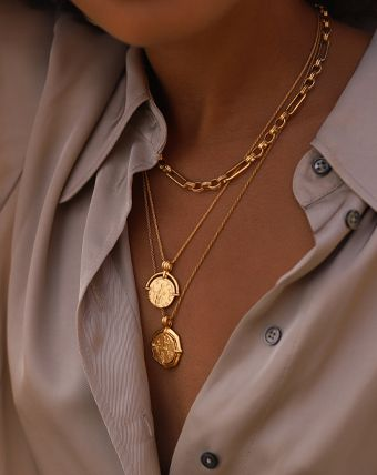 Lucy Williams Gold Rope Medallion Necklace