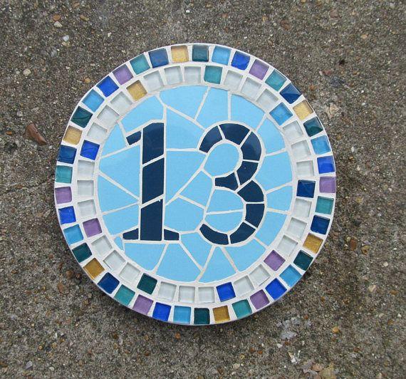 Commission, un numéro de maison décorative à ajouter un peu plus