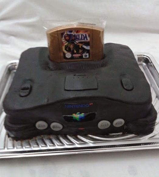 Bolo Artístico Console Nintendo 64 + Vela cartucho de game a escolher:  Zelda, Donkey kong, Mario, 007, Pokemom, Smash e outros. Somente para São Paulo/Capital a retirar ou com frete a combinar para a entrega em mãos. Como é artesanal, podem haver pequenas variações.