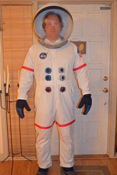 """Fato de astronauta - ver como fazer os """"botões"""". DIY ..."""