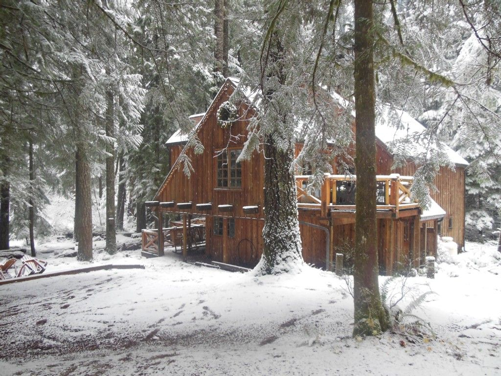 amazing rhododendron rental is this hood cabins vacation oregon in rent pin place cabin for mt