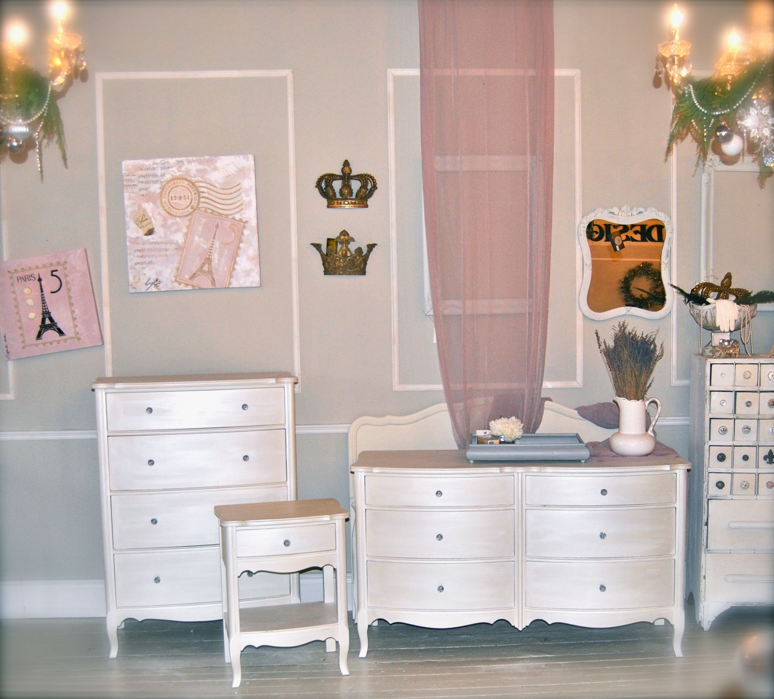 Winsome wood table double drop leaf round mission moon shape fold down - Diamonds Toads Bedroom Suite Painted With Old White Chalk Paint Finished With Artisan