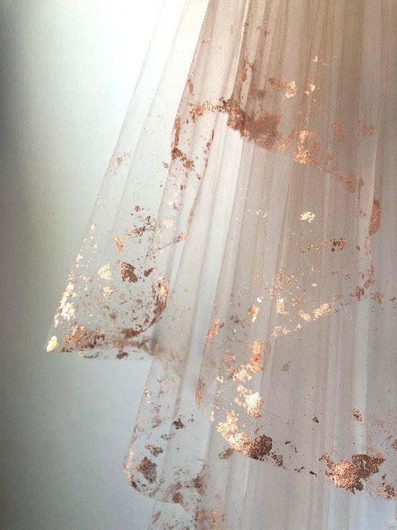 ROSE GOLD Metallic abgeblätterte Brautschleier - Hera von Cleo und Clementine #rosesaesthetic