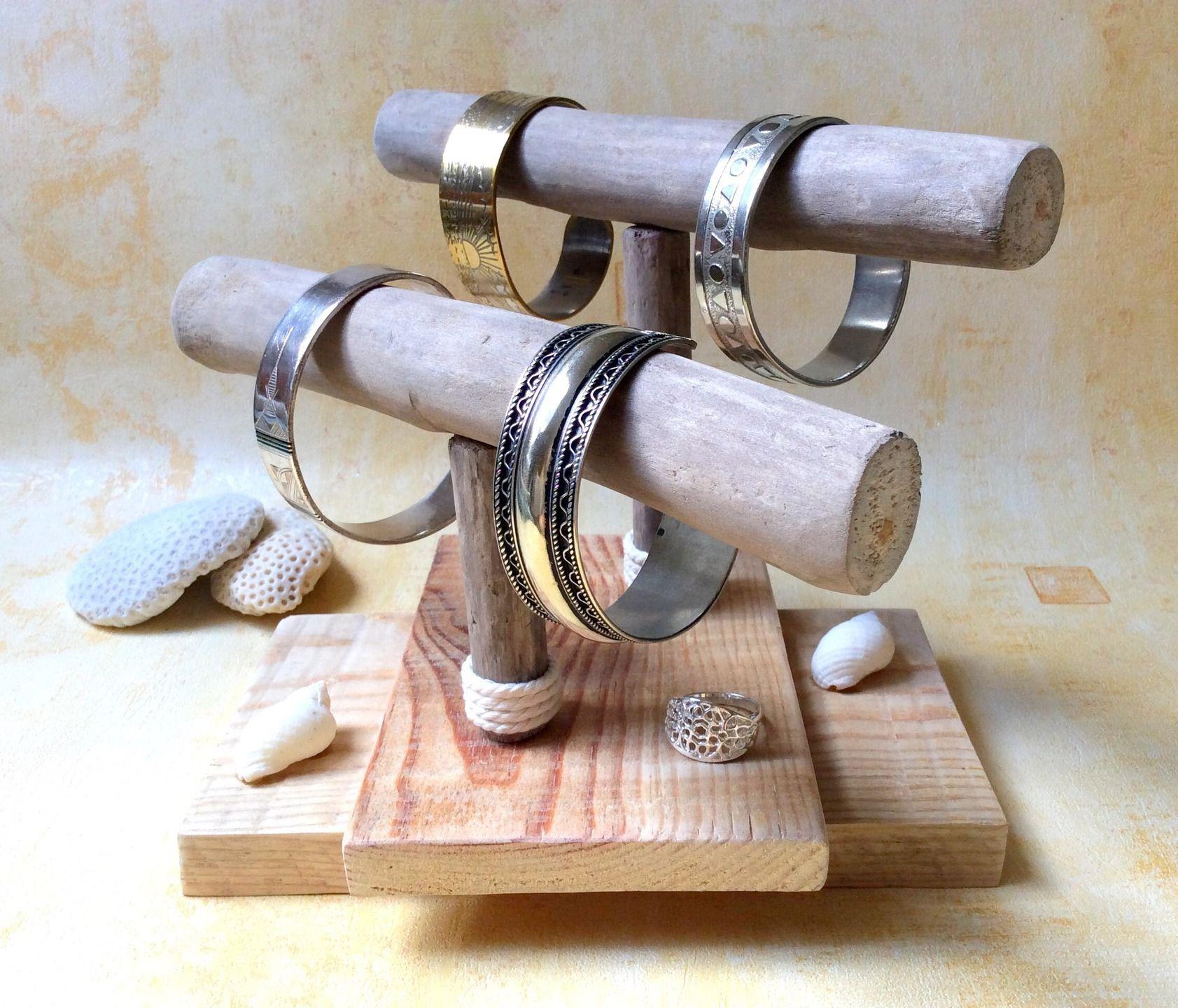 porte bracelets en bois flott par l 39 atelier de corinne porte bracelet bracelet en bois et. Black Bedroom Furniture Sets. Home Design Ideas