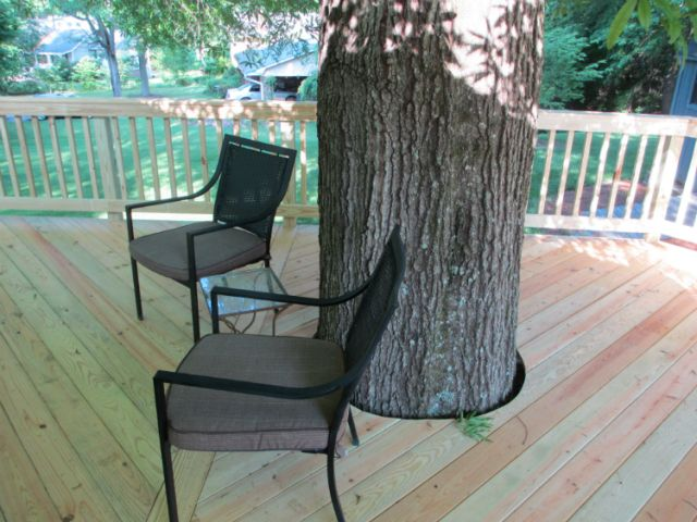 If Outdoor Living Space Is All About Being One With Nature You Ll Have To See This Deck Wrapping Around A Beloved Tree Outdoor Living Space Living Spaces Outdoor Living