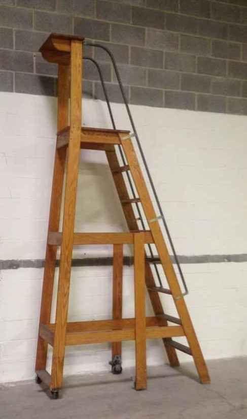 10 7 Vintage Putnam Rolling Ladder C 1930 1950 This Vintage Platform Ladder Originates F Escaleras De Madera Escaleras Plegables Mueble Esquinero Para Tv
