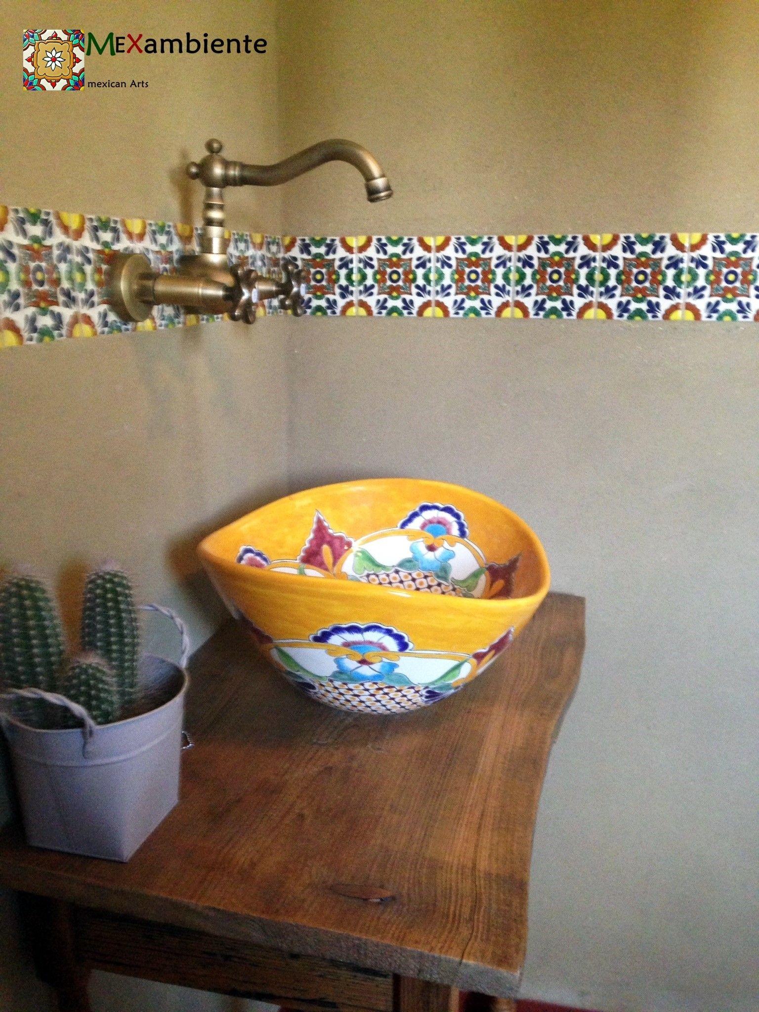rustikales badezimmer mit ethno stil waschbecken fliesen aus mexiko von badezimmer. Black Bedroom Furniture Sets. Home Design Ideas