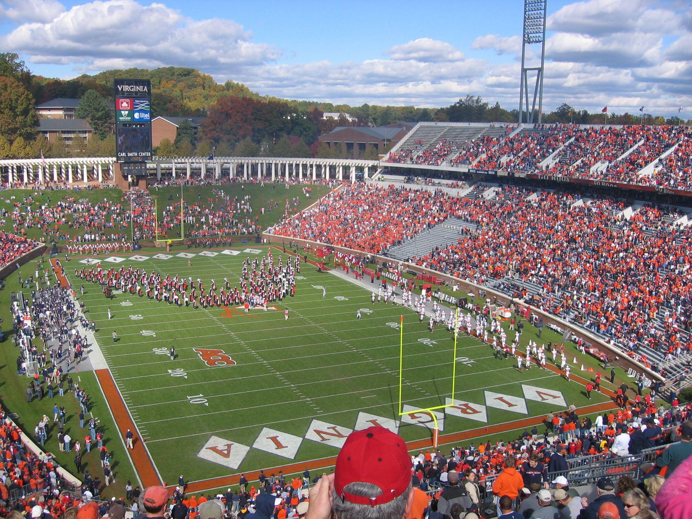 Virginia S Scott Stadium Virginia Uva Cavaliers Football Stadiums Stadium College Football