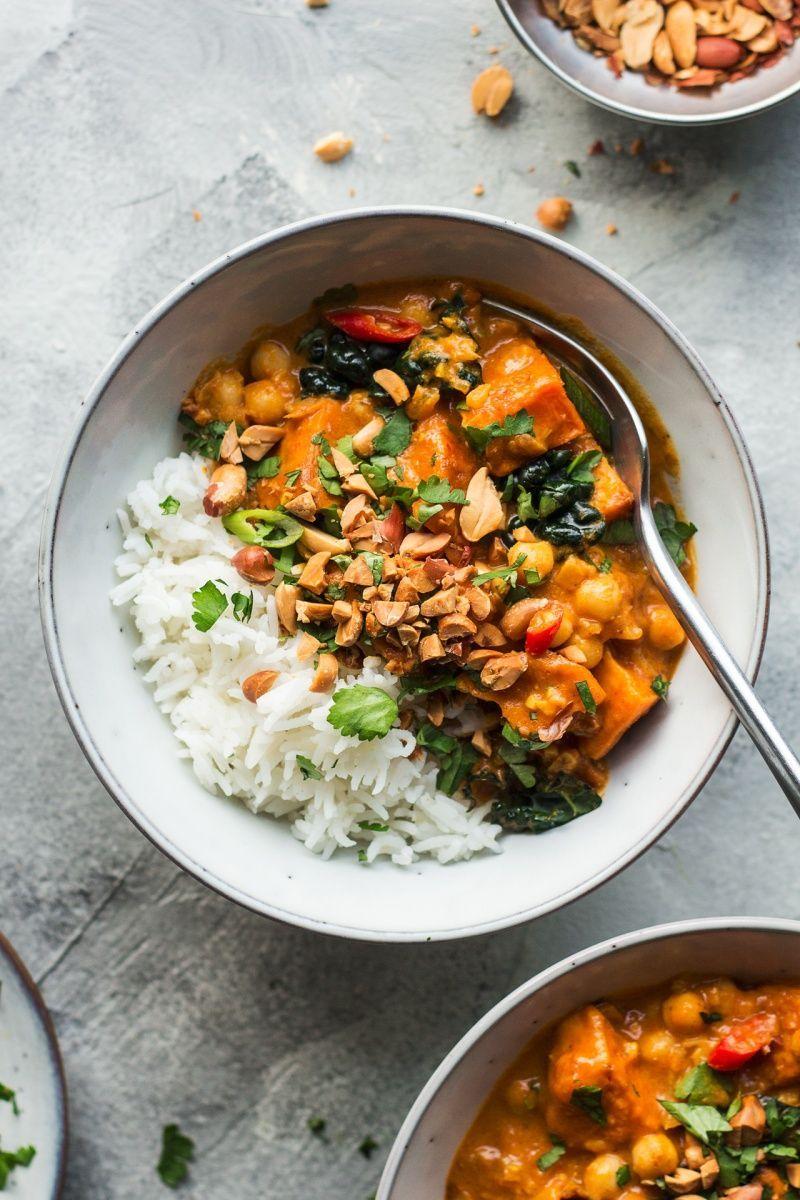 Photo of Veganes Erdnusscurry mit Süßkartoffel – Lazy Cat Kitchen