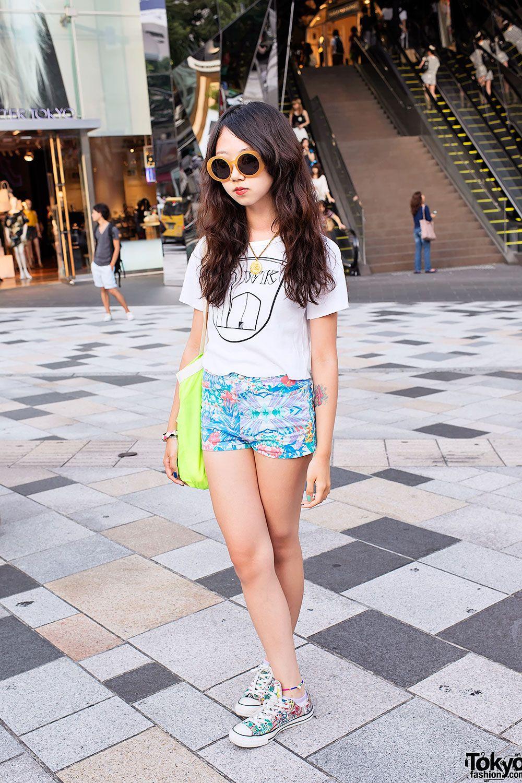 Japanese High School Student Mayupu Wearing Topshop Sly Converse On The Street In Harajuku