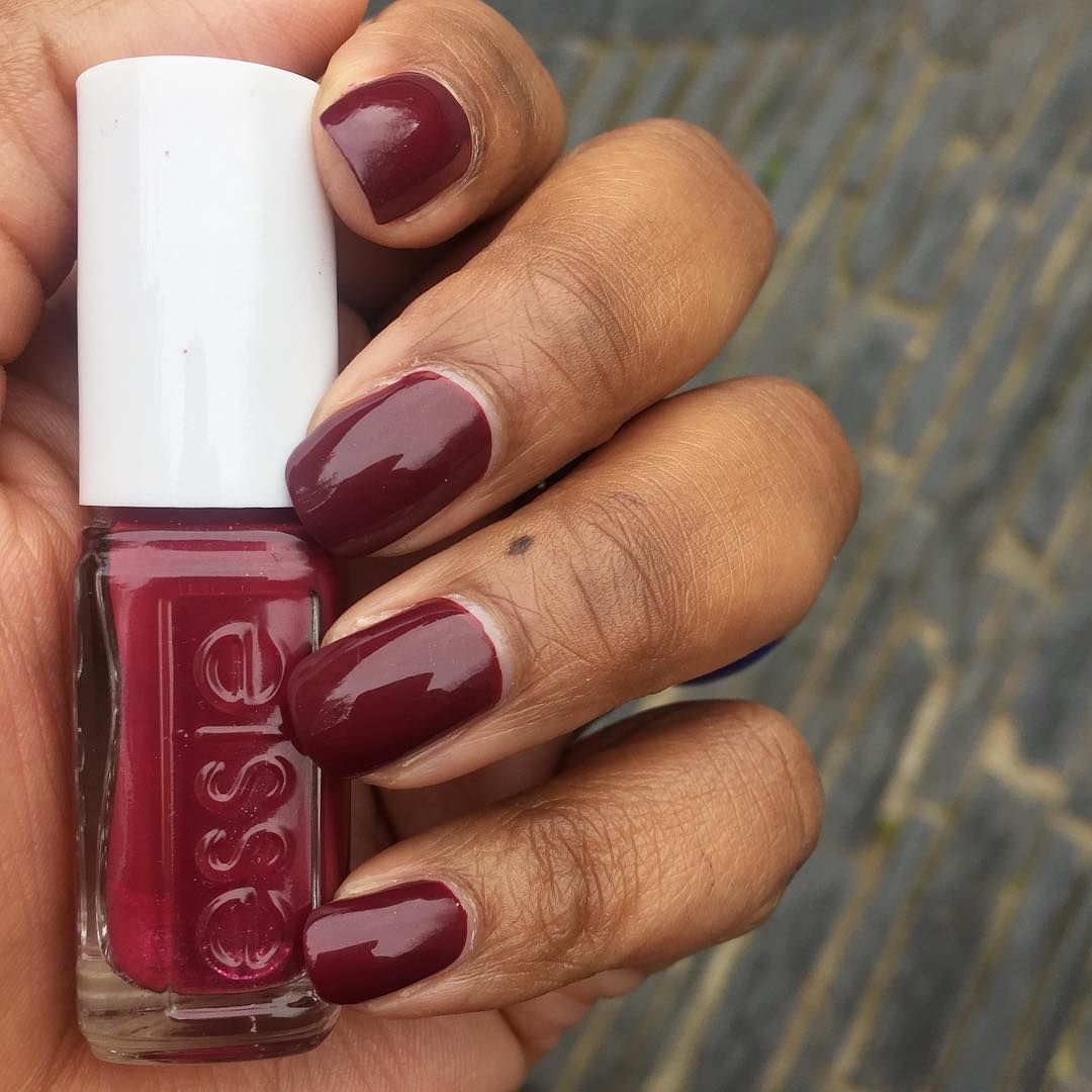 Essie Quot Tote Ally In Love Quot On Dark Skin Red Nail Polish On Dark Skin Nail Polish On Dark Skin