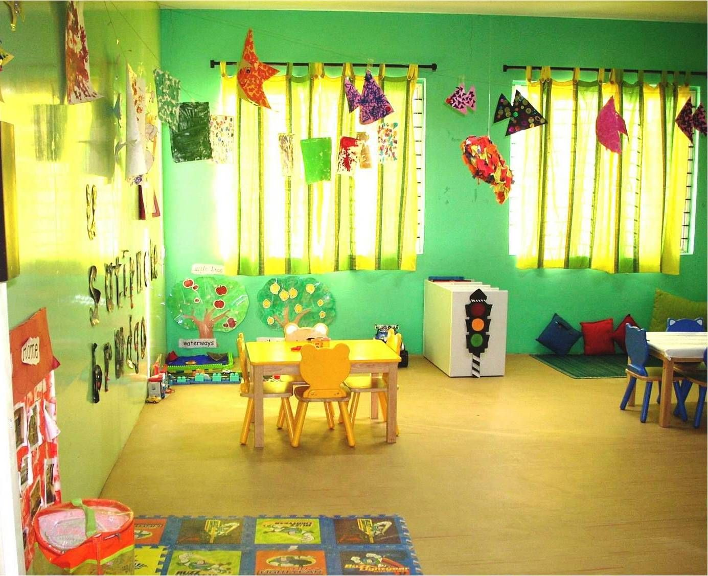 Best paint colors for preschool classrooms - Preschool Classroom With Green Wall For Cozy And Best Preschool Classroom Inspiring Design Ideas