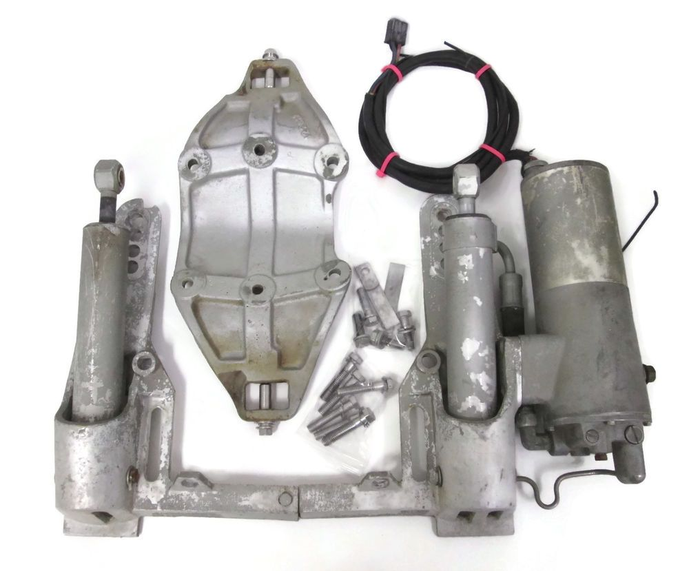 johnson evinrude outboard power trim tilt unit 35 135hp 1974 1978 may fit others [ 1000 x 829 Pixel ]