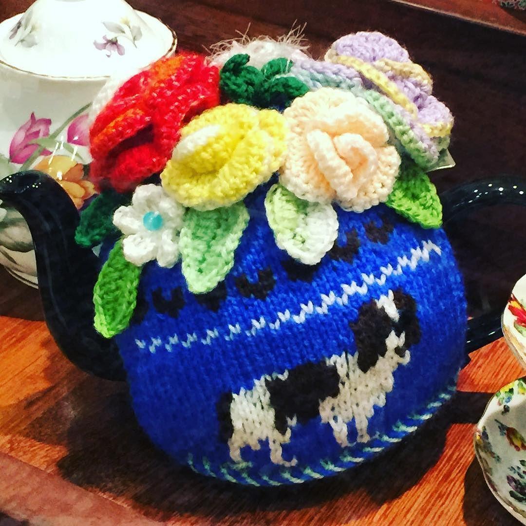 THE teapot cosy for spaniel lovers. Found it in Brisbane's historic Brisbane Arcade CBD. #tea #spaniel #thisisqueensland #doglover