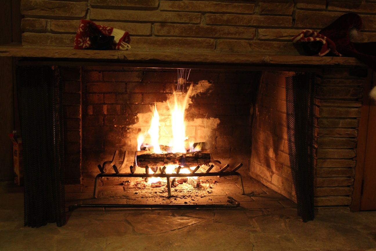 Wood Burning Fireplace With Gas Starter Pipe