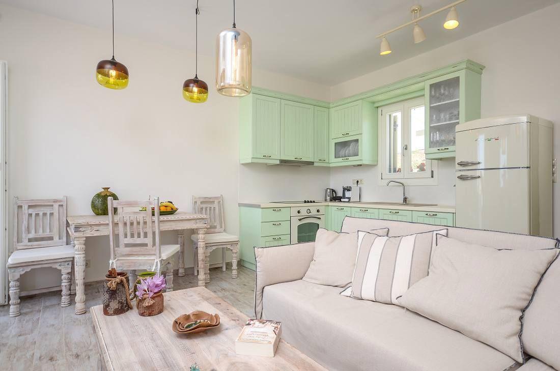 Arredamento Romantico ~ Salotto romantico in bianco e verde menta #bompani #architettura