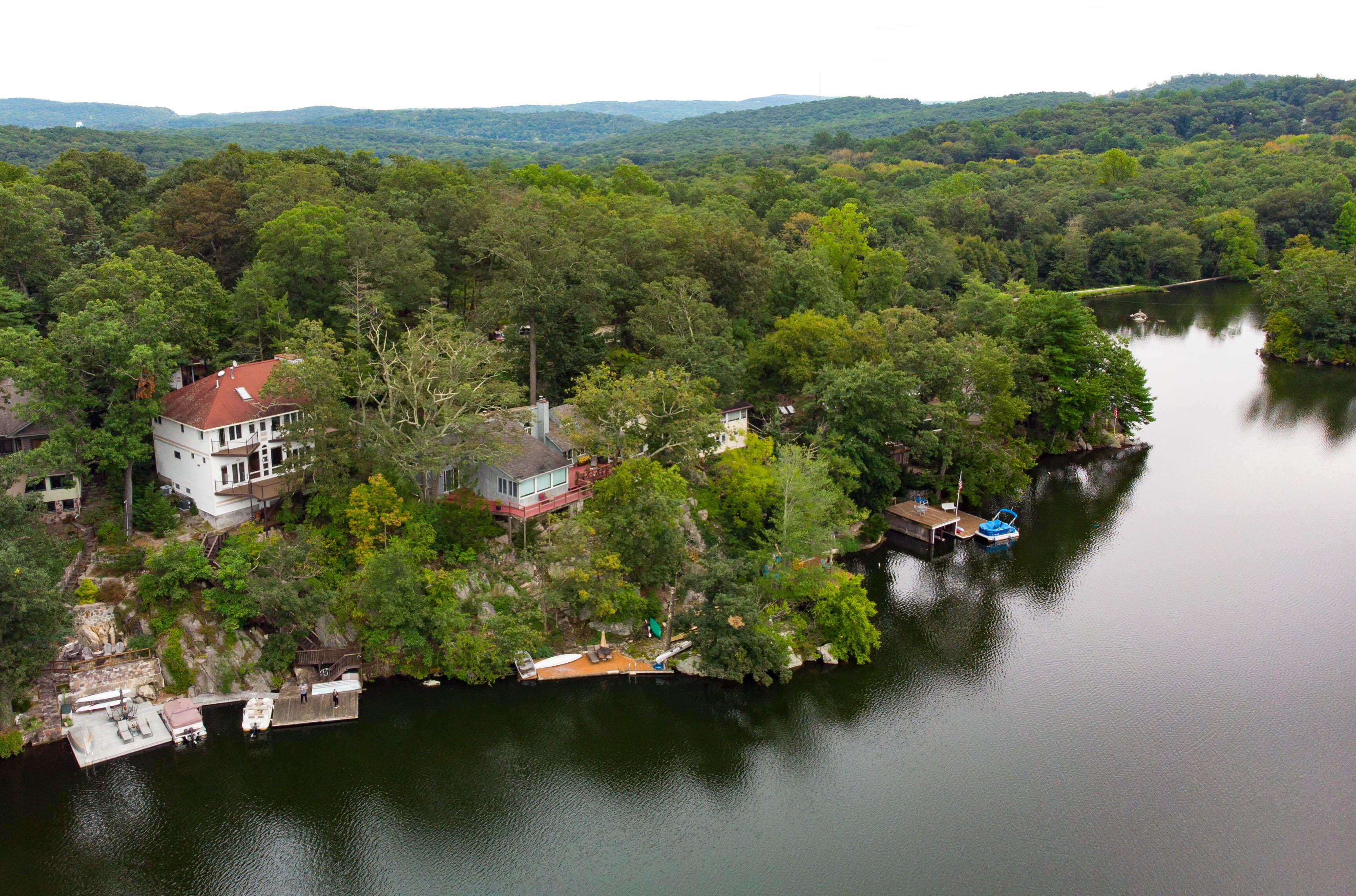 Fantastic Lake House For Sale On Glen Wild Lake Bloomingdale N J Download Free Architecture Designs Intelgarnamadebymaigaardcom