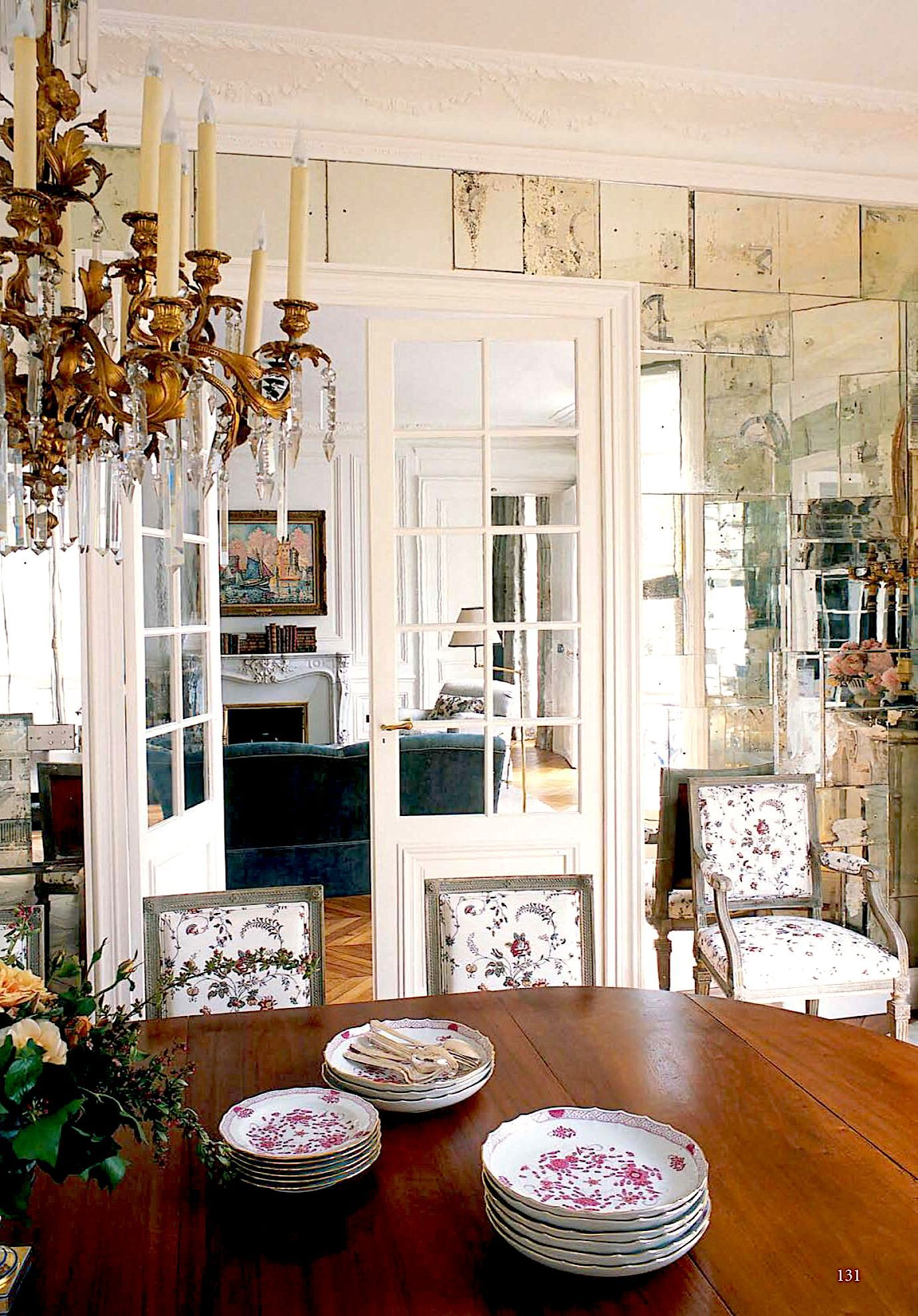 Habitually Chic Paris Pied  Terre #Frenchcountrydecorating