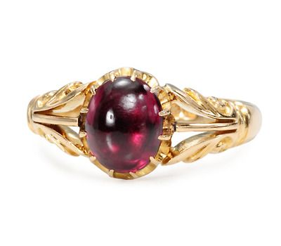Fully Hallmarked Antique Garnet Ring, from Birmingham, England, circa 1905, 18k gold with a 2.8 carat cabochon garnet