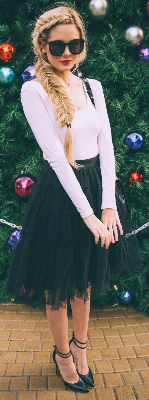 Black Tulle Knee Length Skirt Modestil Stil Outfit Ideen