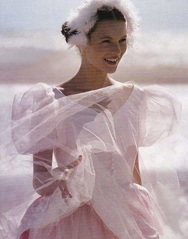 Pin by Diane Gaul on Kate Moss   Kate moss, Pirate fashion